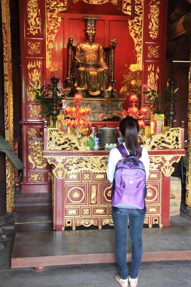 templo_literatura_hanoi_rezo