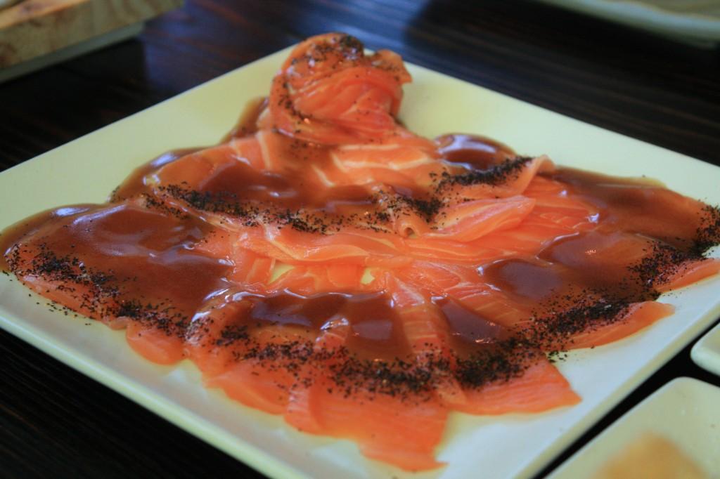 salmón con salsa osaka (restaurante Osaka, santiago de chile)