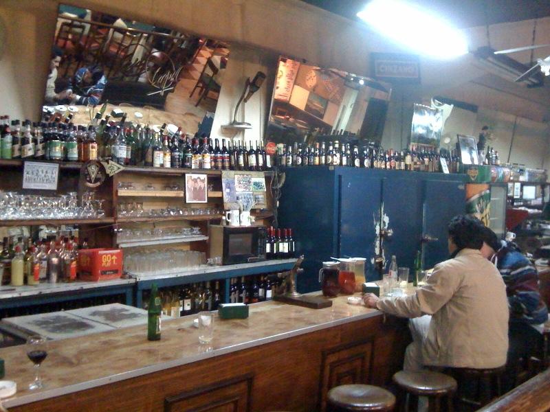 interior del bar  cinzano valparaiso