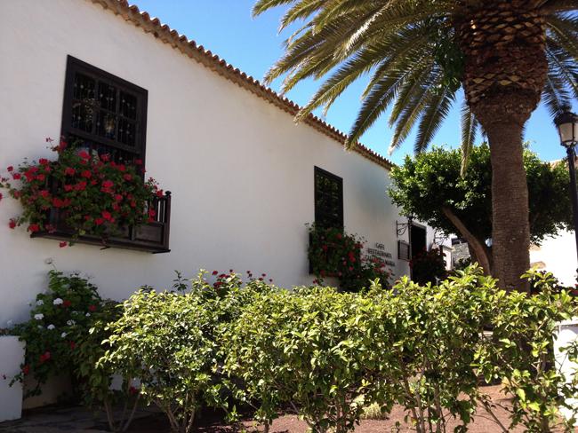 Detalle de balcones en Betancuria (Fuerteventura)