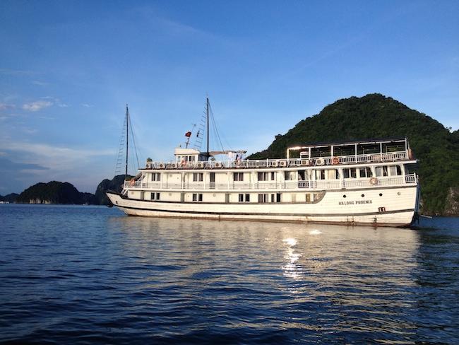 barco_halong_bay