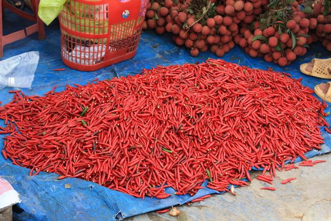 Chile rojo a la venta en el mercado de Bac Ha