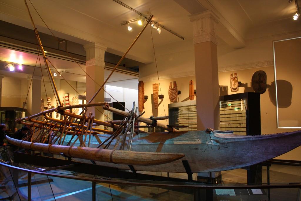 cronicas viajeras auckland museo canoa