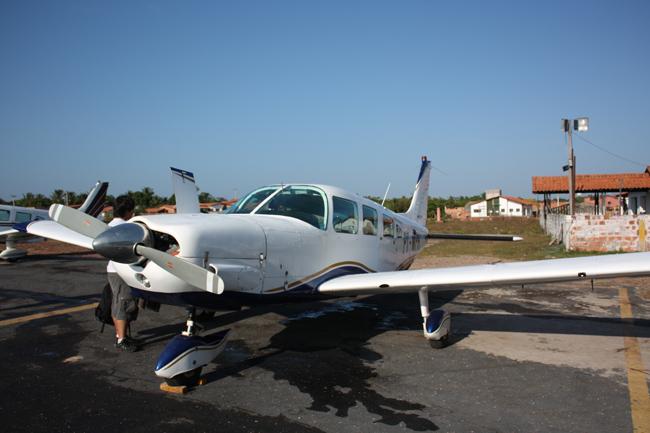 avioneta en aerodromo de barreirinhas