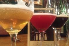 Gama de colores de las cervezas de la cata: biere de miel, cantillon con cerezas y tournay noire