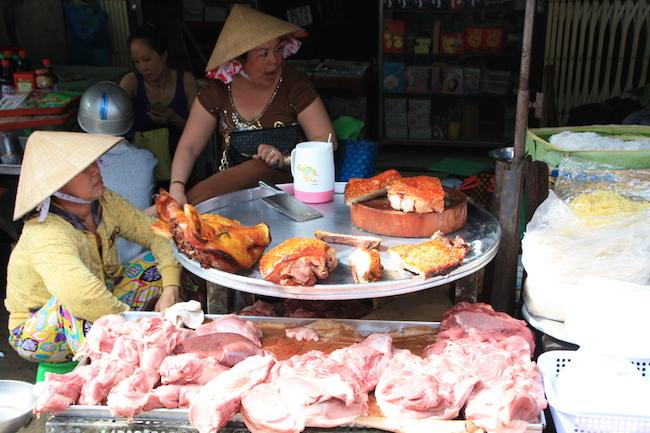 Los animados mercados de Vietnam han sido una gran experiencia que une cultura, gastronomía y economía