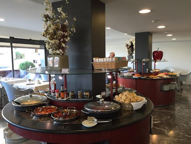 Los desayunos del Hotel dejaran satisfechos alos amantes de empezar el día dulce o salado...