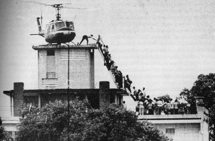 La caída de Saigón, el 29 de abril de 1975. Clica en la foto para ver la entrada de la Wikipedia dedicada a la Guerra de Vietnam