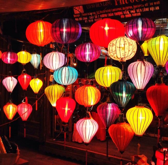 Lámparas de bambú y seda en Hoi An