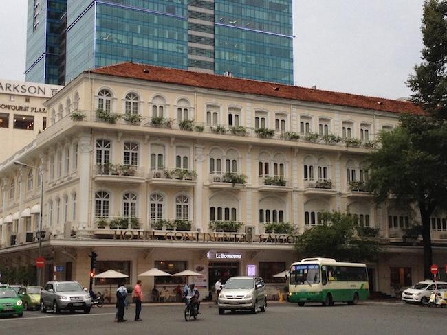 El hotel Continental, frente al Palacio de la Ópera