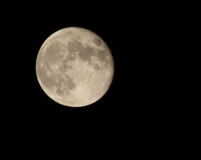 No conseguí una mejor foto de la luna, pero aprendí mucho, seguiré practicando