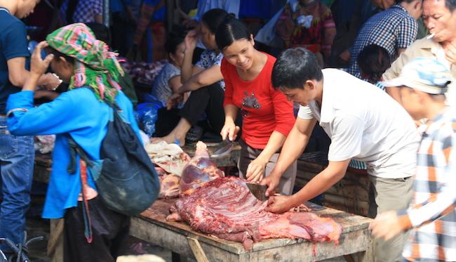 Menos mal que la carne siempre la sirven muy hecha...
