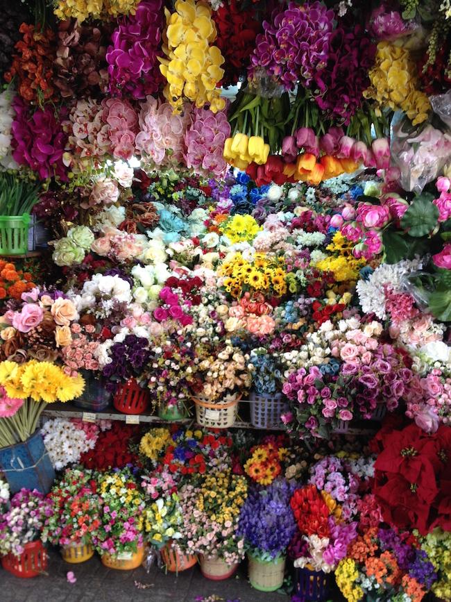 mercado_ben_tranh_flores