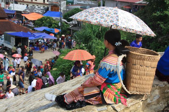 mujer_hmong_mercado_bac_ha