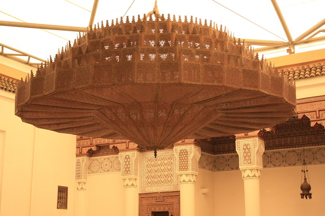 Museo de Marrakech: detalle de la lámpara de cobre