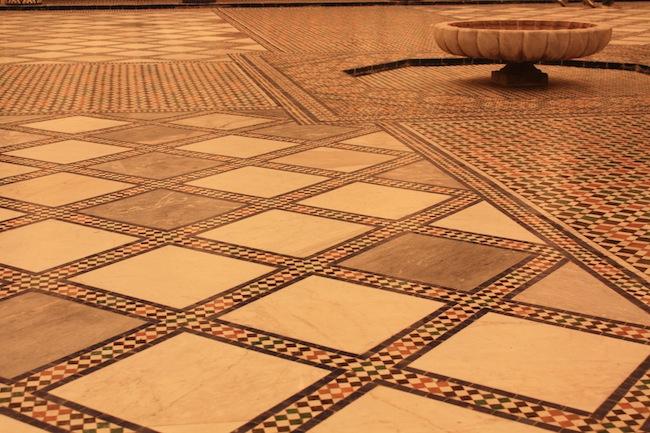 Detalle del suelo del patio (Museo de Marrakech)