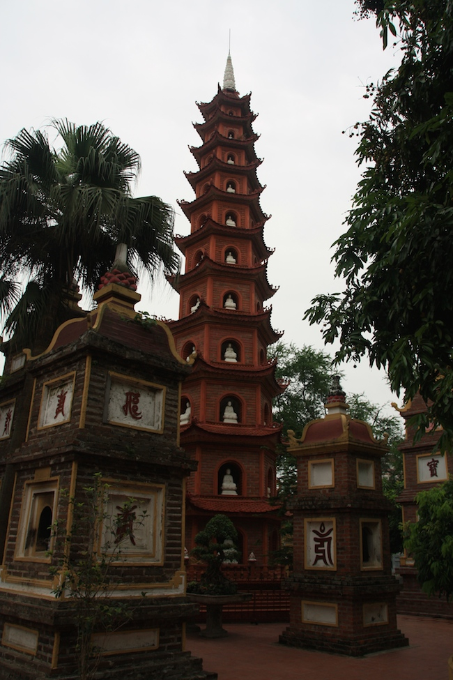 pagoda_tran_quoc_torre