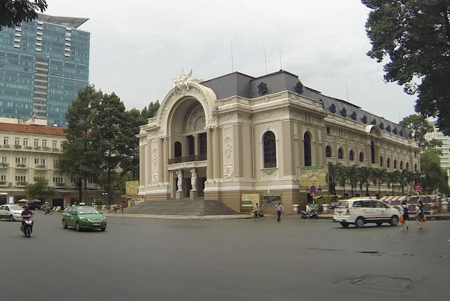 El preciso Palacio de la Ópera de Ho Chi Minh City