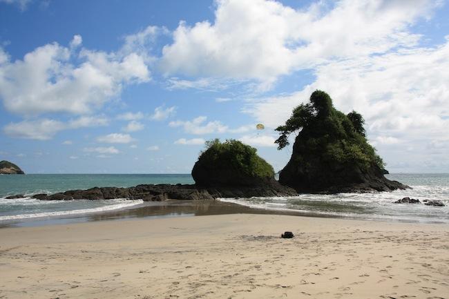 La playa del Espadillo del Parque Manuel Antonio tiene rincones paradisiacos y tranquilos como éste