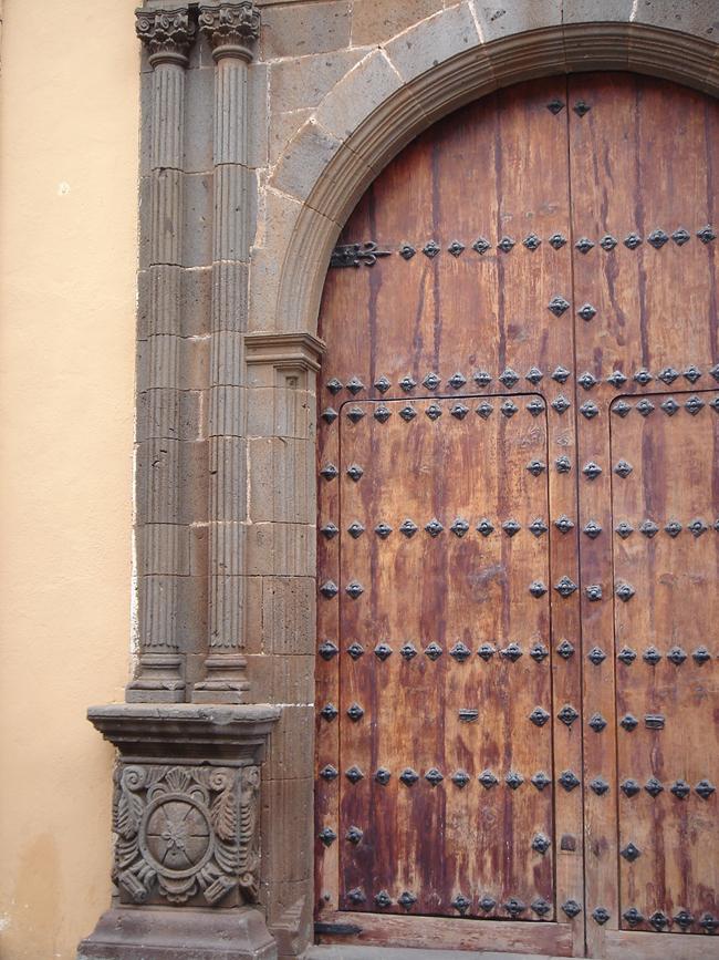 puerta La Laguna Tenerife
