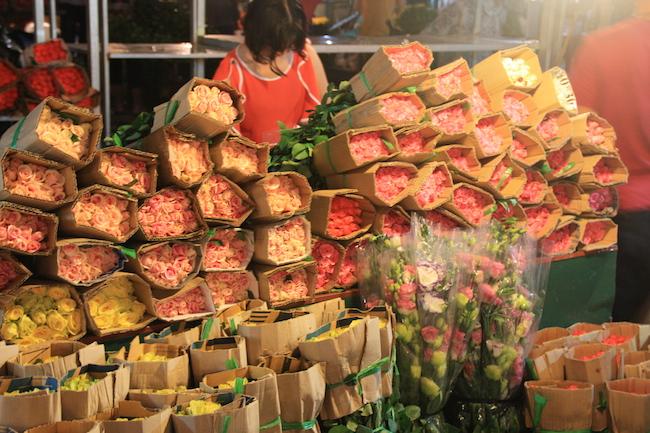 rosas_mercado_flores_hanoi