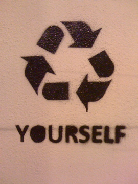 stencil lisboa recicle youtself