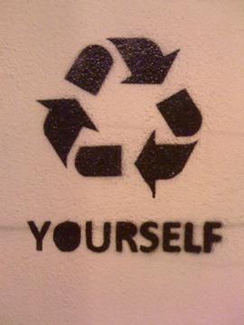 stencil lisboa recicle youtself