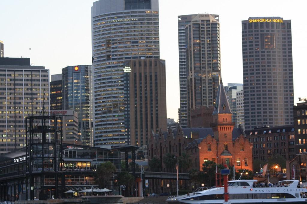 sydney ferry llegando circular quay