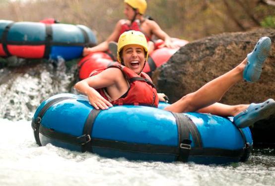 tubing (foto de la web www.guachipelin.com)