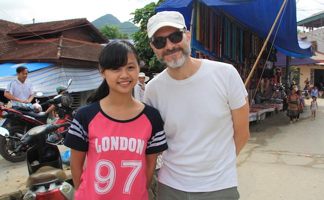 A los vietnamitas jóvenes les resultan curiosos los turistas: en más de una ocasión nos pidieron una foto
