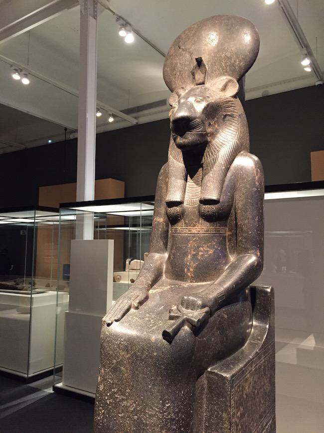 animales y faraones cabezas poder