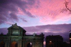 Atardecer en la Puerta de Alcalá