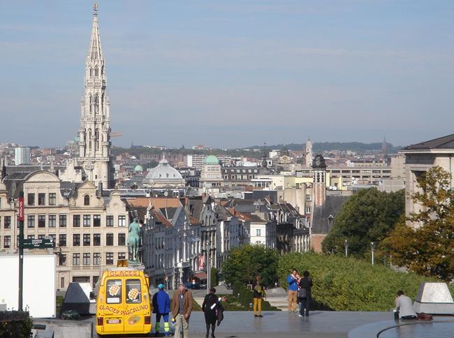 Bruselas, vistas desde Rue Montagne de la Cour