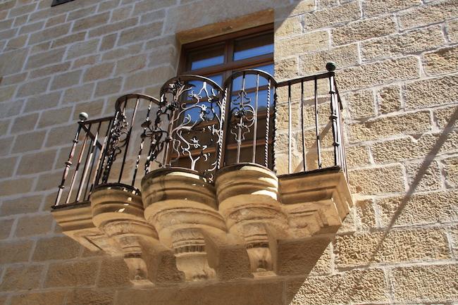 Balcón forjado en Calaseit