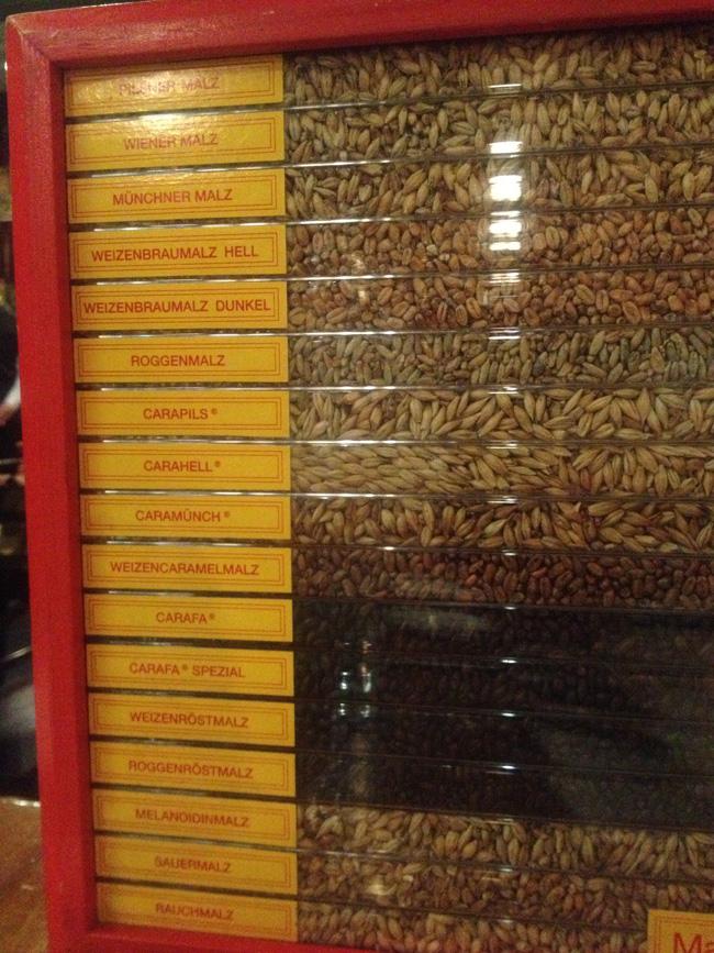 diferentes tipos de cereal y tostados que usa la cerveza tradicional belga