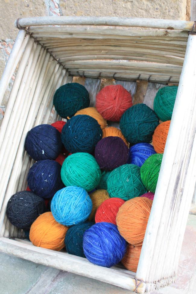 Interesante también la zona dedicada a explicar la artesanía, los tintes de los hilos que luego se tejen en telares...