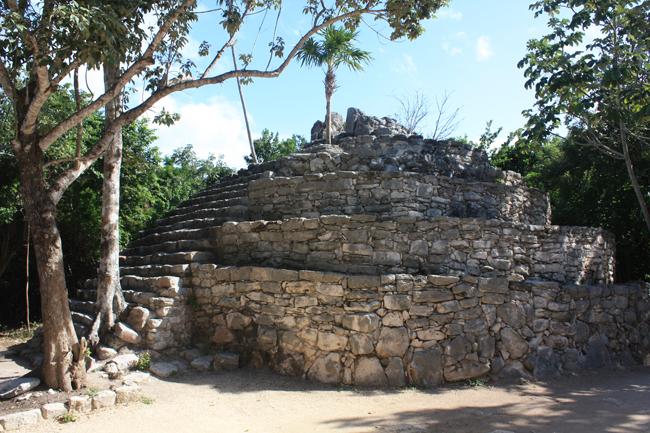 Restos de edificaciones mayas en Xcaret