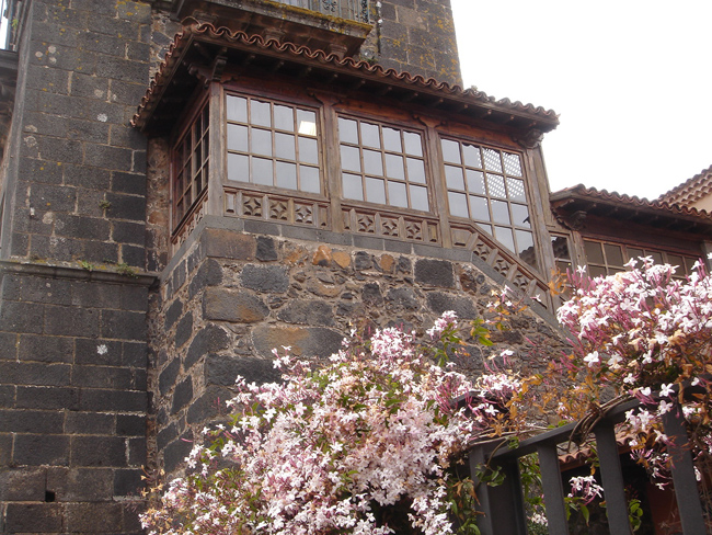 detalle de la torre de la Iglesia de la Concepción en la Laguna