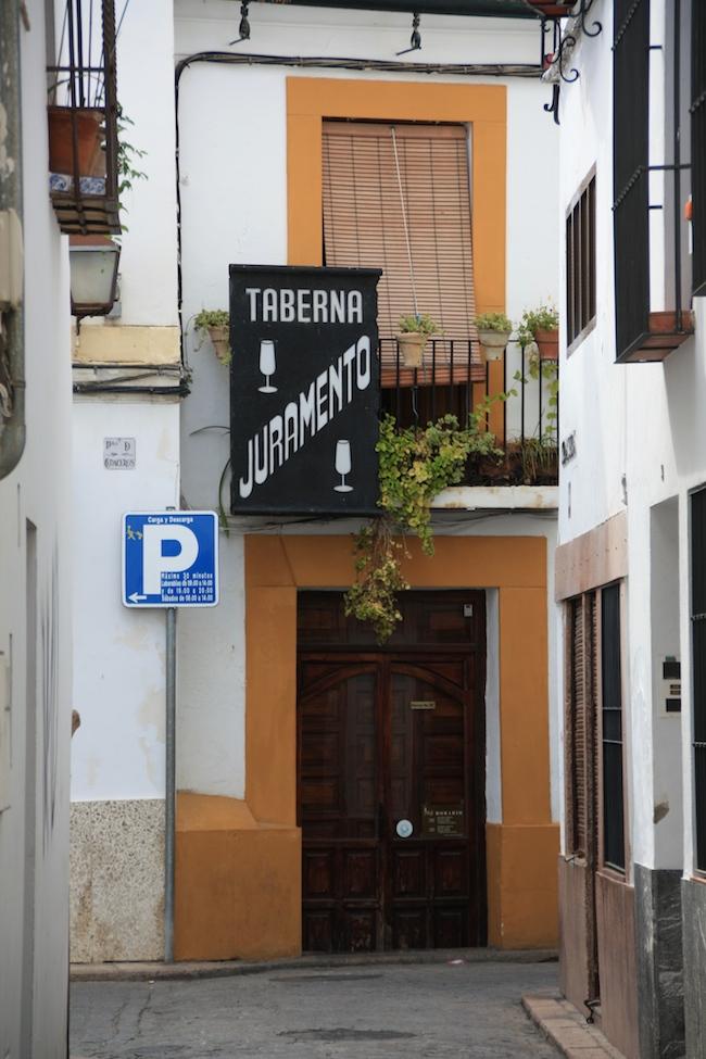 Taberna El Juramento: la entrada no hace honor a sus flamenquines o sus croquetas