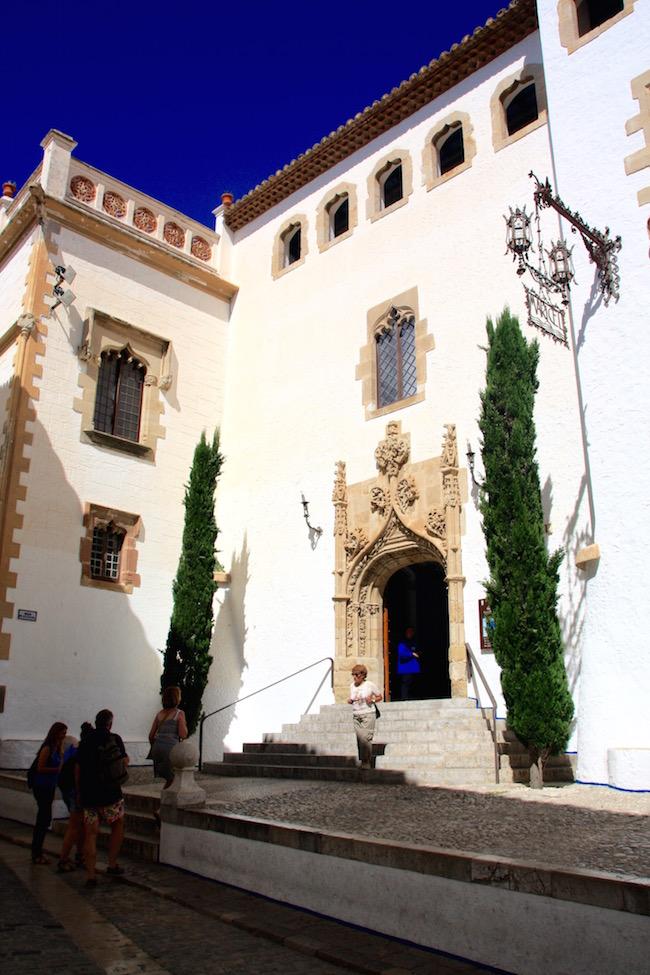 La entrada al Palau Maricel