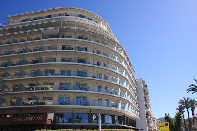 fachada hotel calipolis 2