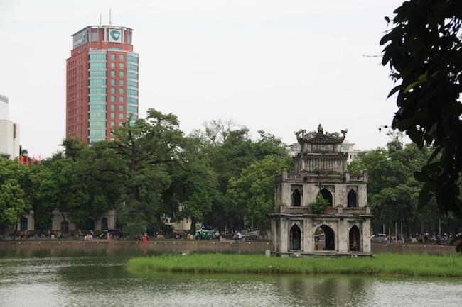 Lo moderno y lo tradicional se dan la mano constantemente en Hanoi