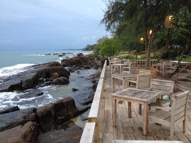 En la agradable terraza del Mango Bay pasamos muy buenos ratos: increíbles vistas, excelentes platos, buenas copas...