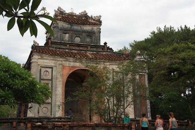 Este template guarda la triste estela el emperador que, sin dejar de ser cruel, se supo perdido...