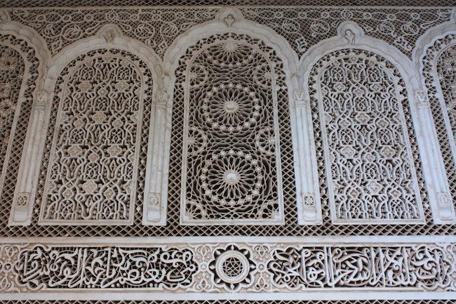 El trabajo de los artesanos del Palacio de la Bahía es impresionante. Los trajeron de Fez.