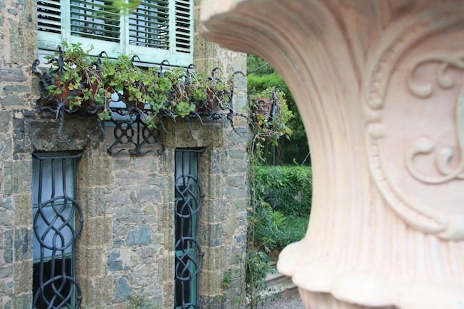 Torre Bellesguard: enrejados en las ventanas